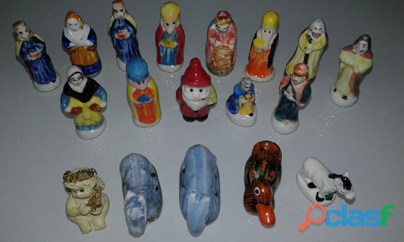 Boneco e Figuras Pequenas