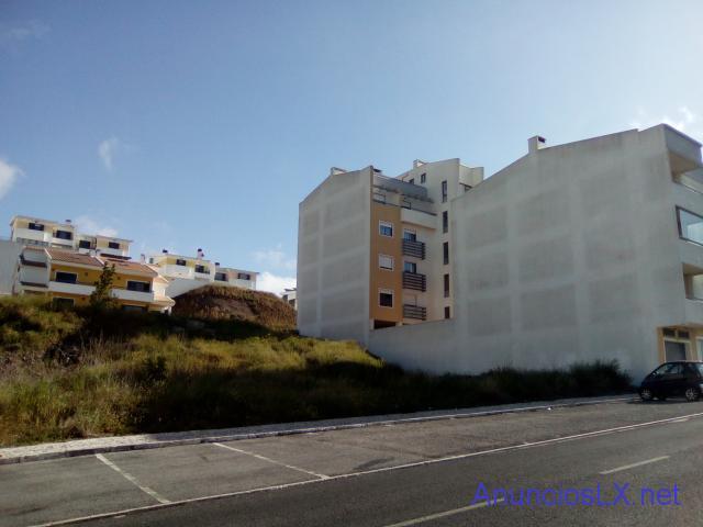 Lote de terreno urbano, com 658,00 m2 amadora