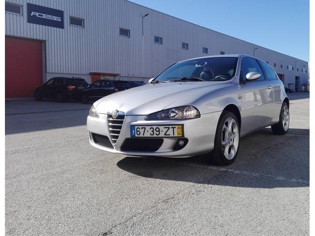 Alfa romeo 147 1.6 ts navigator (120cv) (3p) 3000€