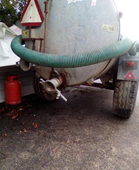 Reboque cisterna tanque até 4000 l rebaixada