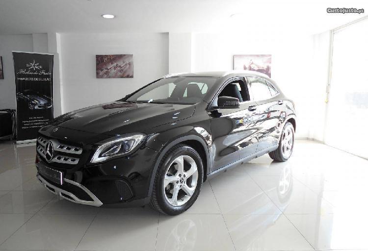 Mercedes-benz gla 180 cdi urban - 17