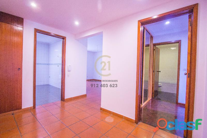 Apartamento T3 Santo Antonio 2091