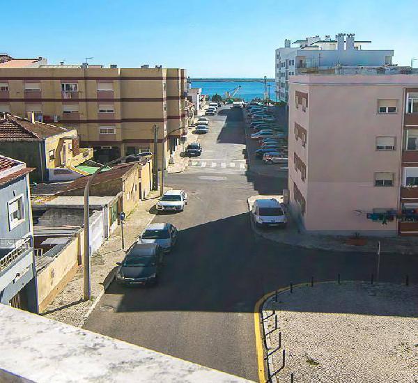 Apartamento t3 em setúbal, c/ garagem e vista...
