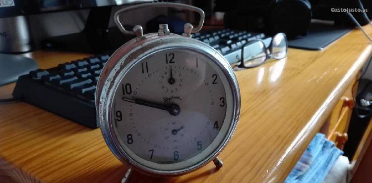 Relógio despertador reguladora