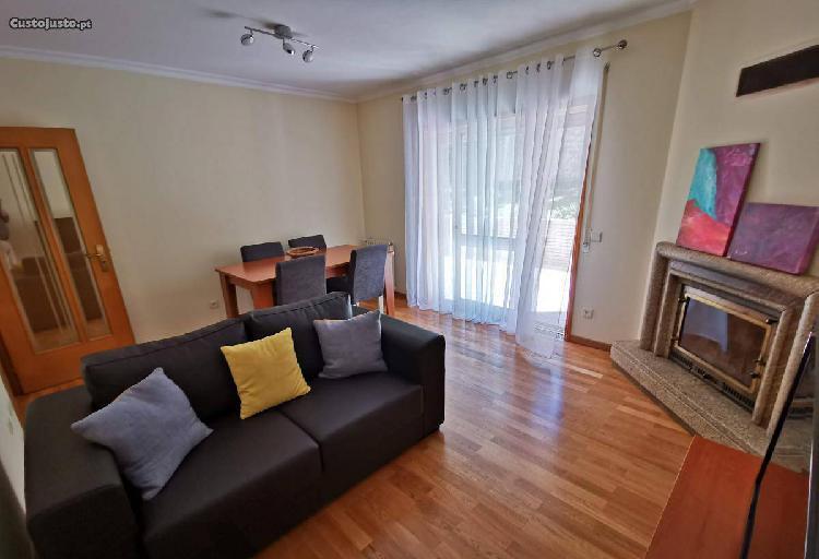 Apartamento t2 com terraço em mafamude