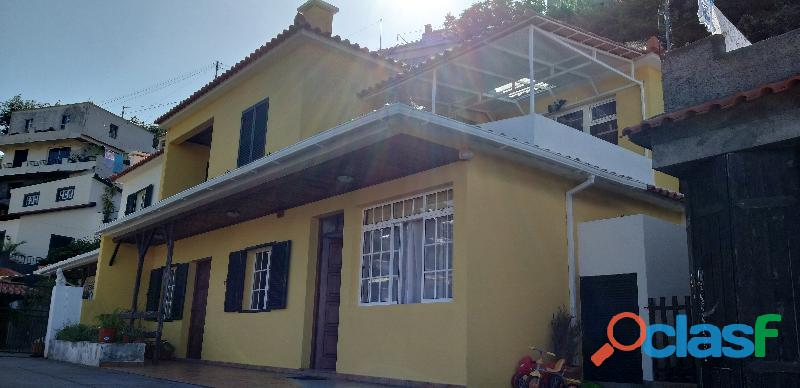 Moradia V4 Santo António, Courelas 2114