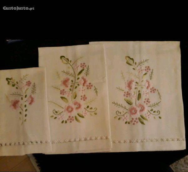 Conjunto toalhas em linho
