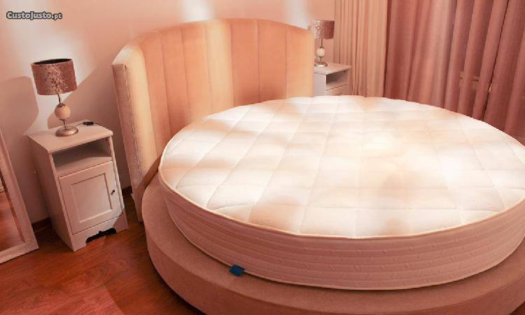 Cama redonda + colchão + cabeceiras