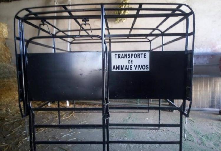 Gado grades carrego animais