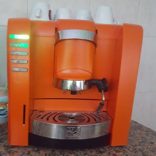 Máquina café delta cápsulas