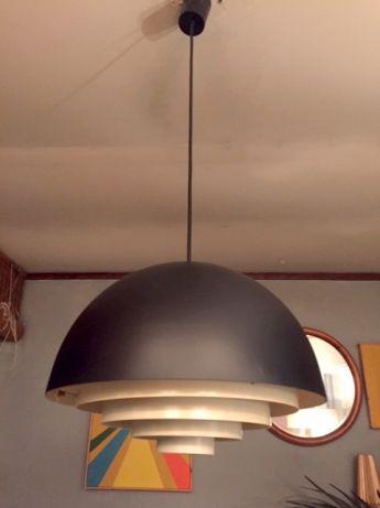 Candeeiro dinamarquês preto estilo milieu anos 60