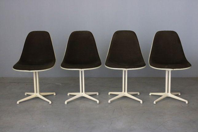Conjunto de 4 cadeiras charles and ray eames modelo dsl