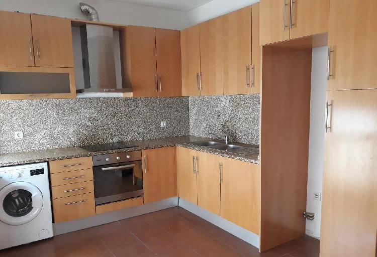T2 c/ cozinha equipada