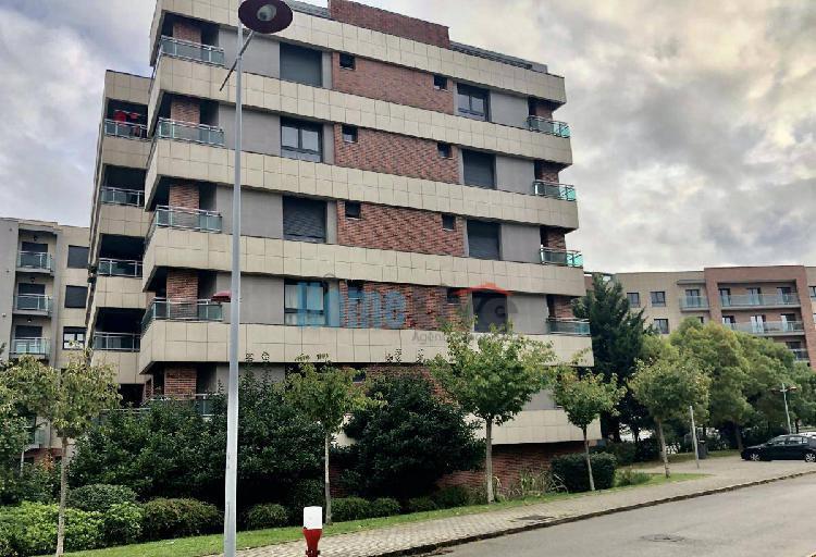 Apartamento t2 com box na malvarosa em alverca