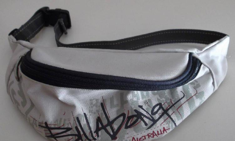 Bolsa de cintura e mão, mochila e carteira