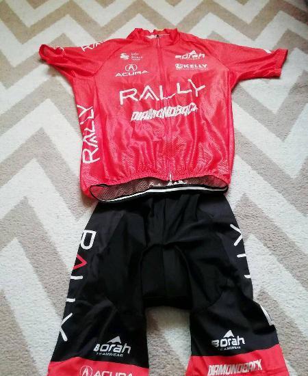 Equipamento de ciclismo novo preto e laranja
