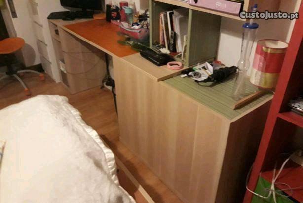 Secretária + estante