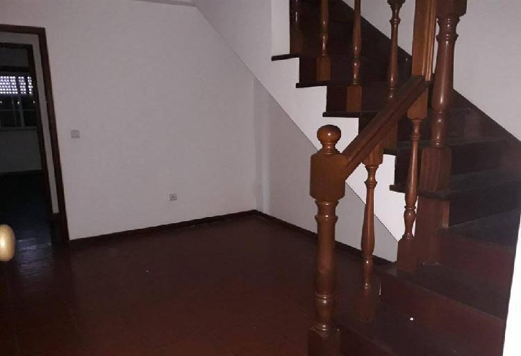 Apartamento t2 duplex em miranda do corv (v333cb)