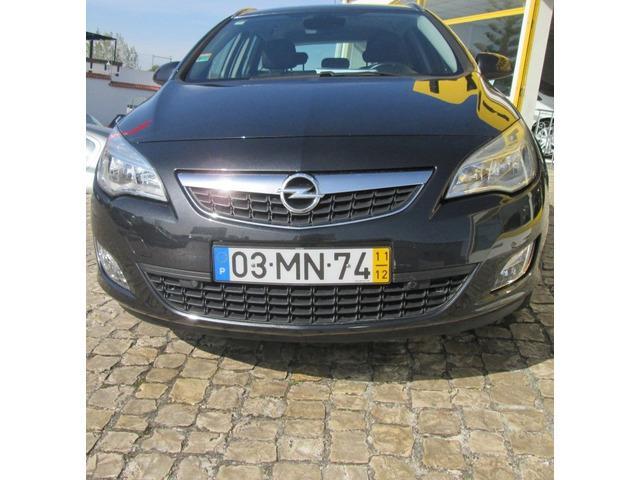 Opel astra sports tourer 1.7 cdti cosmo 125cv 4000 €