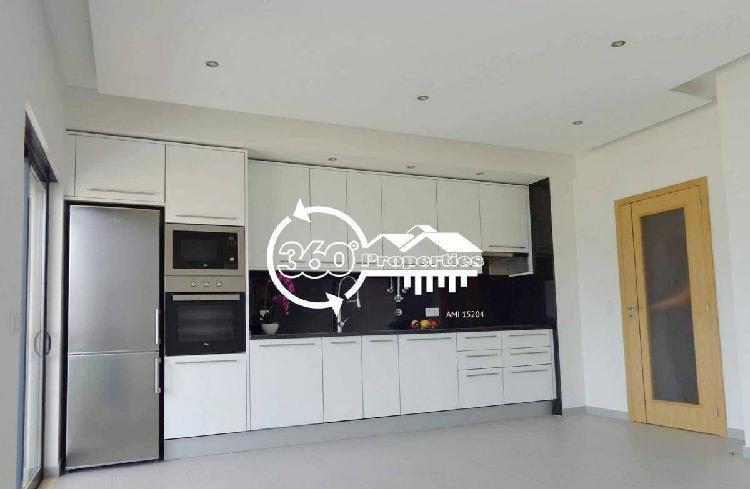 Apartamento t3 luxo com garagem e arrecadação-faro
