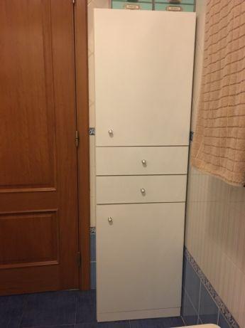 Móvel wc com arrumação