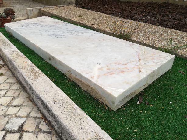 Pedra mármore para banco ou mesa