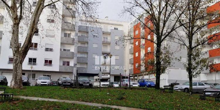 Apartamento T3, 2 wc, 97m2.
