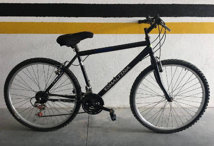 Bicicleta montanha esmaltina