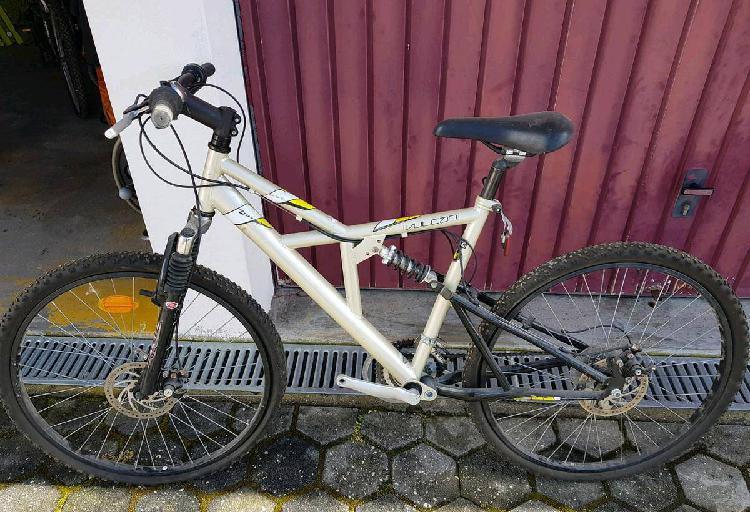 Bicicleta vulcan bom estado