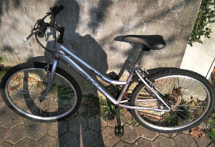 Bicicleta btt menina