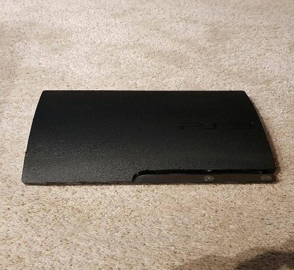 PS3 Slim 150GB com tres jogos