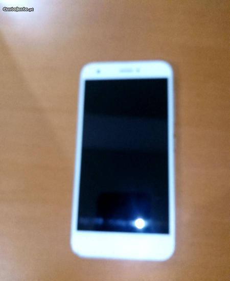 Smartphone ZTE Blade a512
