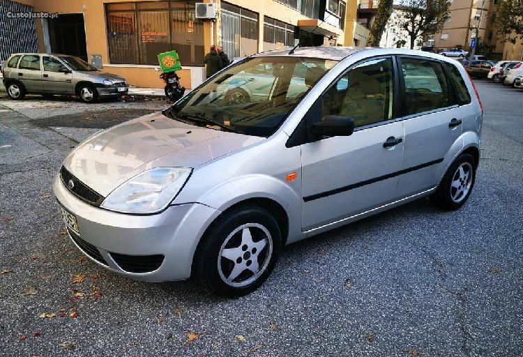 Ford Fiesta 1.4 - 03