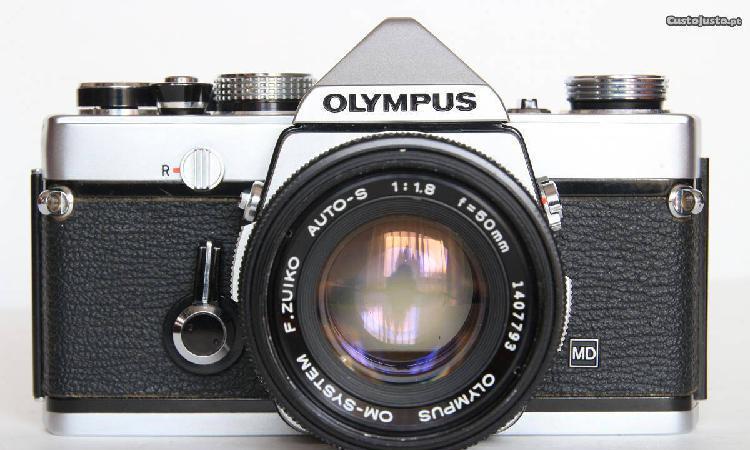 Olympus om-1 + om zuiko 50mm 1.8 + pilha+ hot shoe