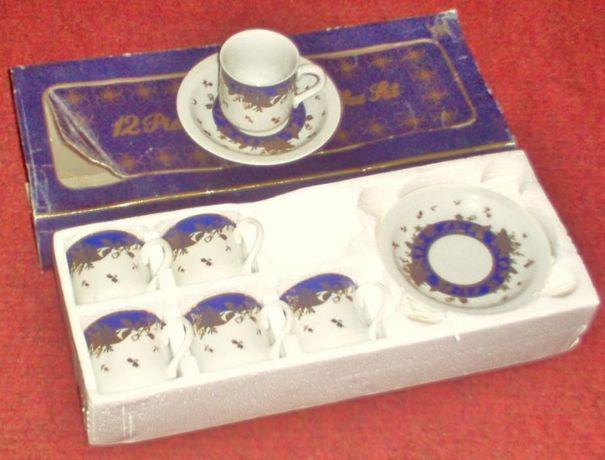 Conjunto de café em porcelana japonesa
