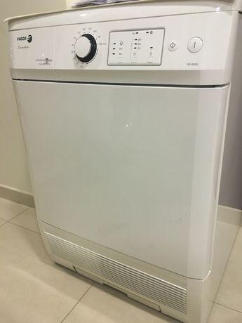 Máquina secar roupa