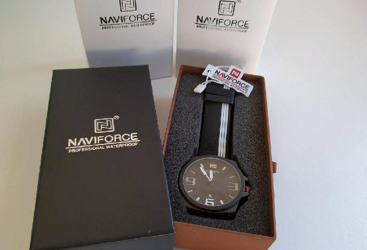 Relógio naviforce branco