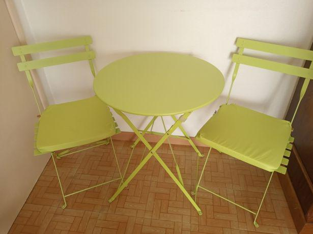 Mesa de jardim com 2 cadeiras