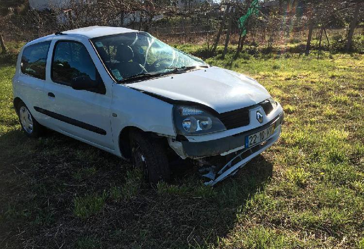 Renault Clio 1.5 DCI - 04