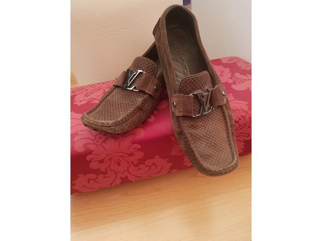 Sapatos de homem louis vuitton, tamanho 42
