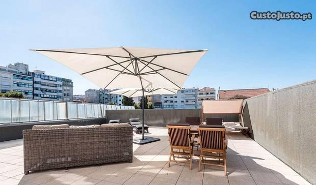 T2 mobilado com terraço - constituição porto