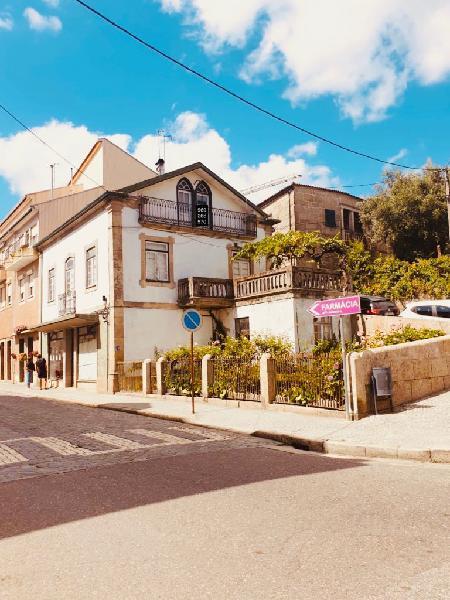 Casa de habitação e comércio