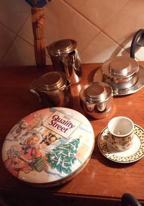Conjunto pequeno almoço em inox e lata vintage