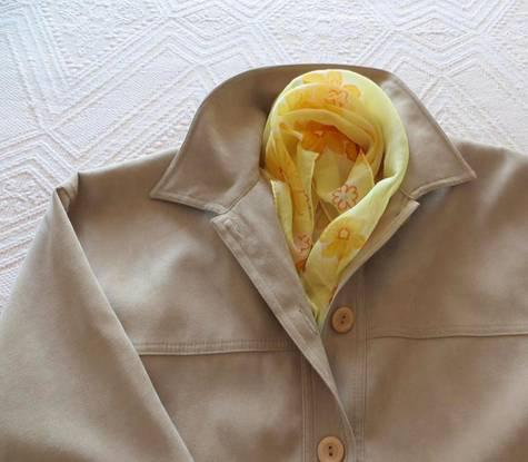 Camisa bege, tecido aveludado - xl - como nova