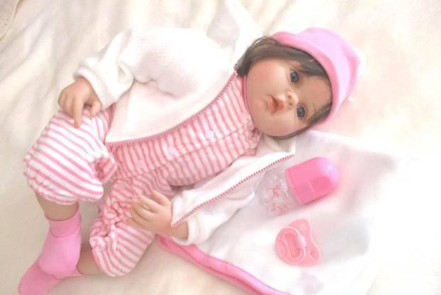 Baby bebe reborn com muito acessórios