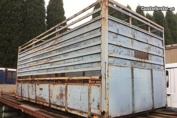 Estrado caixa de animais para carrinha