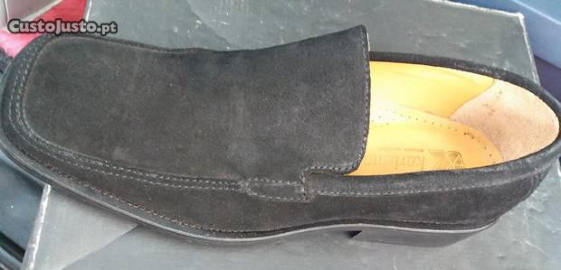 Sapatos em pele couro pretos tamanho 41 novos