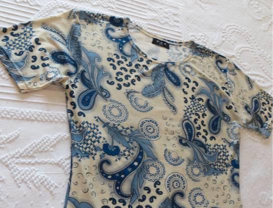 Camisola manga curta tam. l, azul estampada