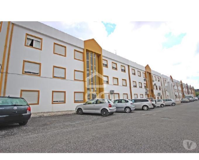 Imóvel de banco - apartamento t3 de r chão vila viçosa