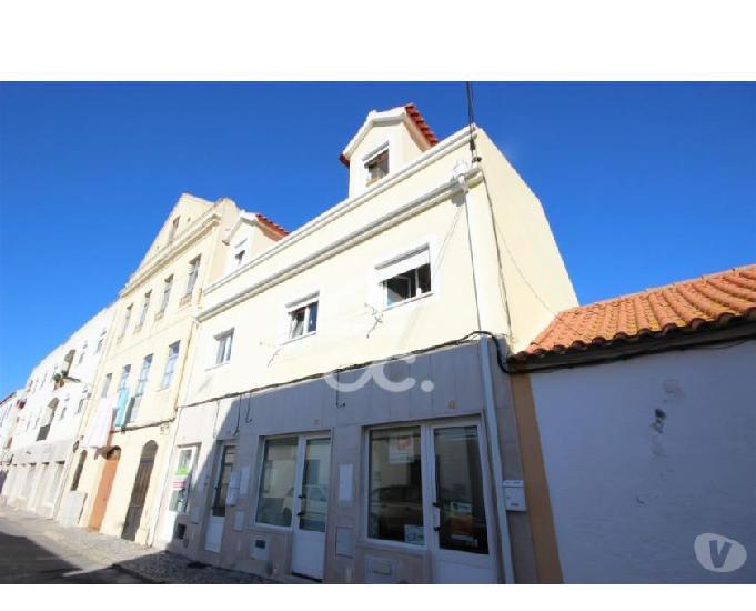 Imóveis de banco - apartamento, 1º andar, com terraço